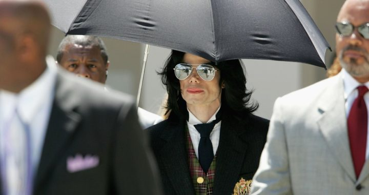 Герои фильма HBO о сексуальных связях Майкла Джексона рассказали, почему защищали его. Один пожаловался на угрозы, второй боялся огласки