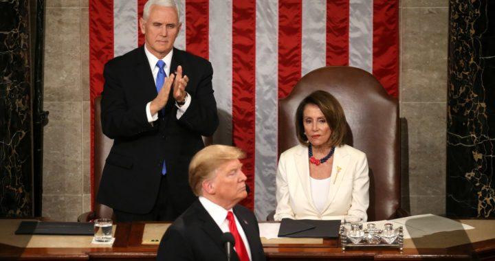 Дональд Трамп стал третьим в истории США президентом, которому объявили импичмент. Как прошли слушания, на которых его сравнили с Иисусом