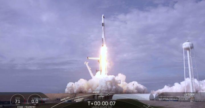 SpaceX взорвала Falcon 9 ради испытаний аварийной системы пилотируемого корабля Crew Dragon