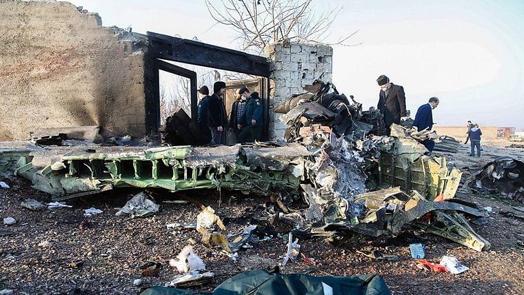 Обломки двигателя украинского лайнера на месте катастрофы в Иране. 8 января 2020 года Abedin Taherkenareh / EPA / Scanpix / LETA