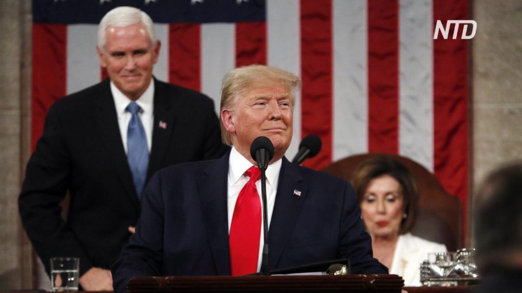 Спикер Палаты представителей Нэнси Пелоси рвет доклад Дональда Трампа «О положении союза». Вашингтон, 4 февраля 2020 года Jonathan Ernst / Reuters / Scanpix / LETA