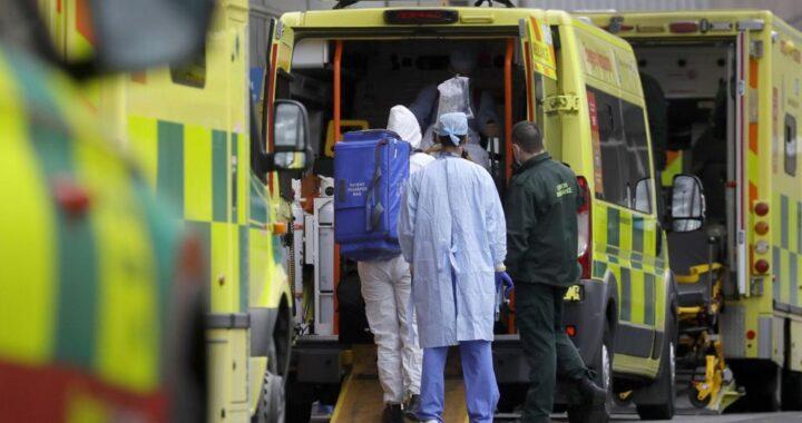 Как в Великобритании обнаружили новый вариант коронавируса — и успели забить тревогу The New York Times — об истории открытия «британского» штамма.