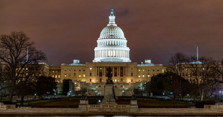Как будет проходить инаугурация Джо Байдена — первая в истории США, где охраны больше, чем зрителей. Максимально коротко…