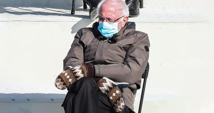 Берни Сандерс собрал 1,8 миллиона долларов на благотворительность. С помощью варежек, которые он надел на инаугурацию Джо Байдена