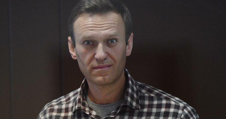 Сразу три прокремлевских издания рассказали, как замечательно живется Навальному в колонии Пересказ материалов RT, РИА Новости и Life — для тех, кто не может заставить себя изучить их в оригинале