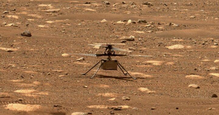 На Марсе так классно, что теперь там летают вертолеты! 🚁 NASA успешно запустило дрон «Инженьюити» — посмотреть видео прямо сейчас не получится, хотя очень хотелось бы.